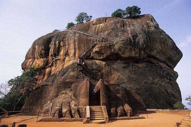 La fortezza rocciosa di Sigiriya – Foto Wikimedia Commons