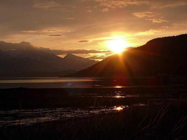 Sole di mezzanotte. Foto di Henk k