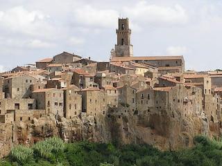"""Cosa vedere a Pitigliano, la """"piccola Gerusalemme"""" della Toscana"""