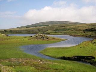 Un lago che scompare: il mistero in Irlanda