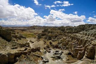 Le grotte di Piyang: il misterioso sito archeologico in Tibet