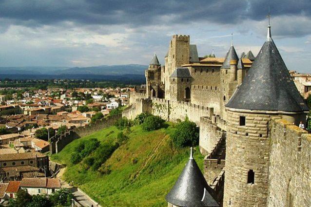 Carcassonne, mura del castello – Foto Wikimedia Commons
