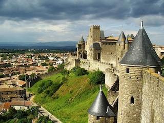 Carcassonne, un gioiello medievale tra leggenda e realtà