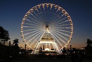 Addio alla ruota panoramica Concorde di Parigi: questo sarà il suo ultimo Natale
