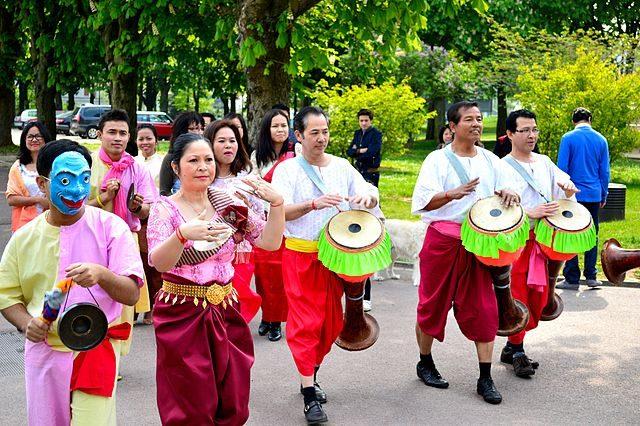 Danza popolare cambogiana – Foto Wikimedia Commons