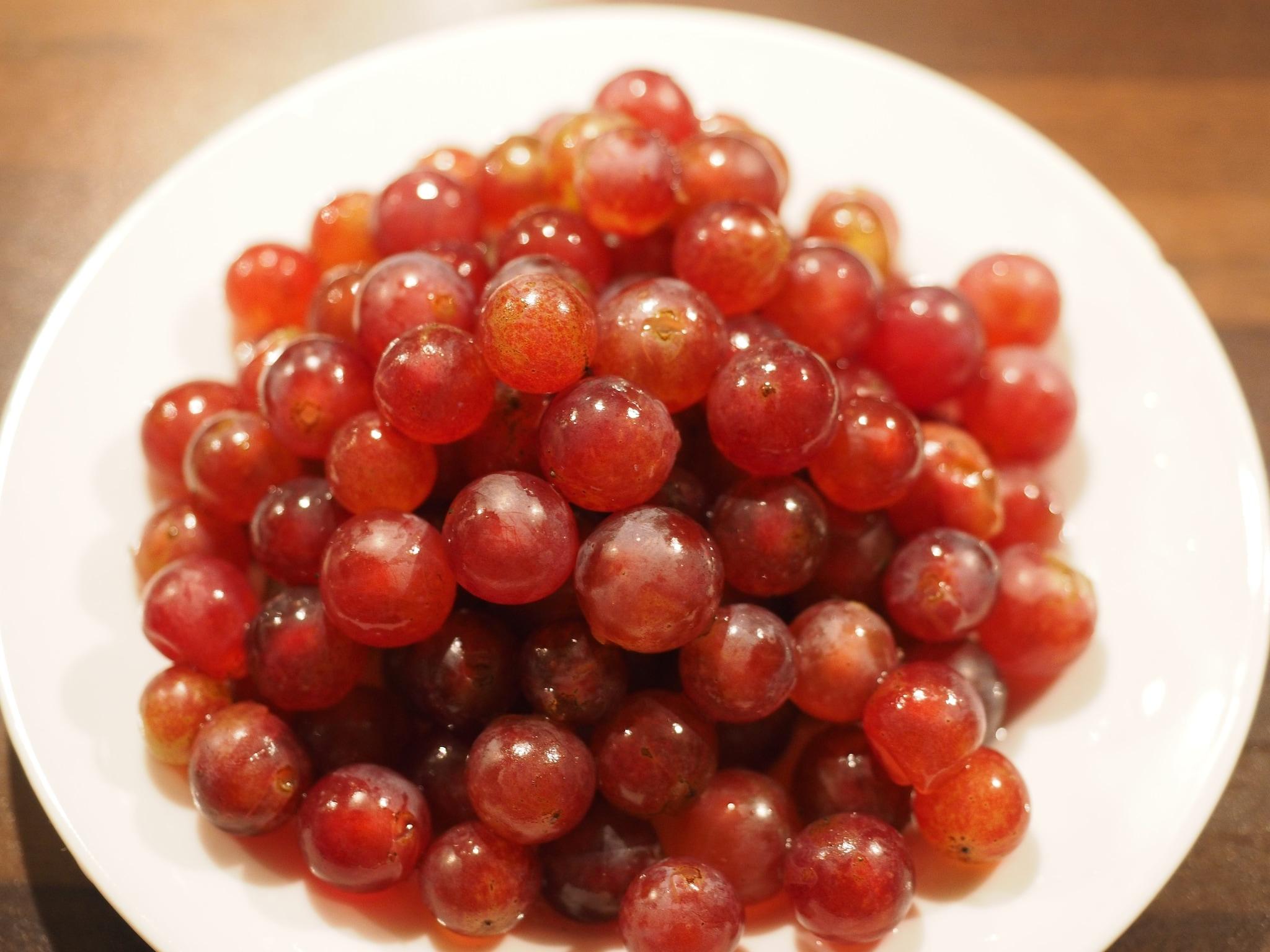 Mangiare chicchi d'uva in Spagna