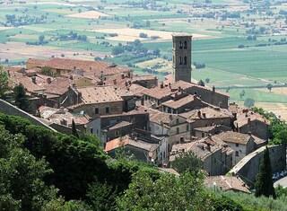 Cortona: un magico borgo medievale tra Toscana e Umbria