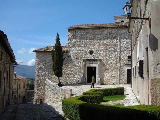 Labro, Chiesa di Santa Maria Maggiore – Foto Wikimedia Commons