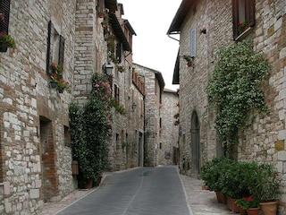 Corciano, alla scoperta di un borgo magico in Umbria