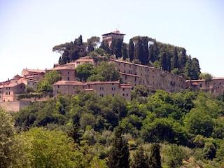 Cetona, un tesoro nascosto nella verde Toscana