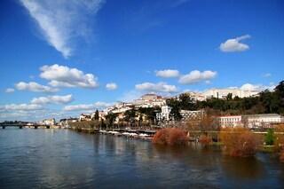 Visitare Coimbra, una città sospesa tra antico e moderno