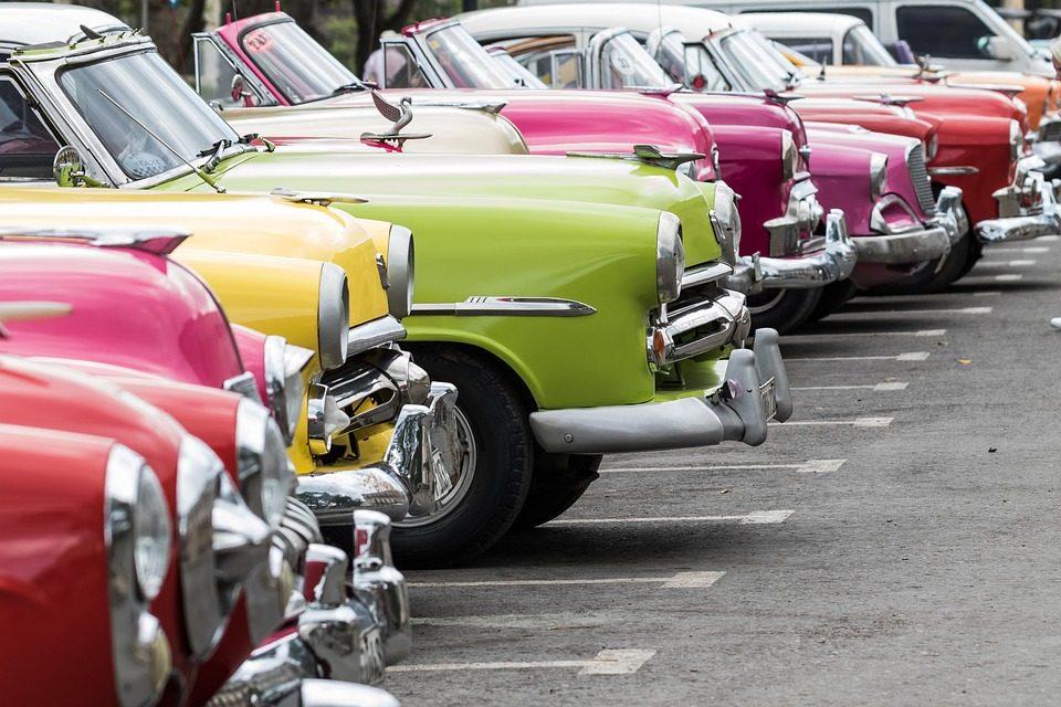 Auto d'epoca a Cuba. Foto di BarbeeAnne