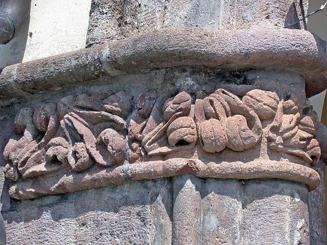 Capitello del portico – Foto Wikimedia Commons