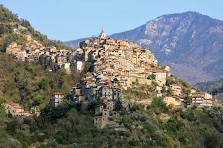 Un paese degli artisti in Liguria: Apricale