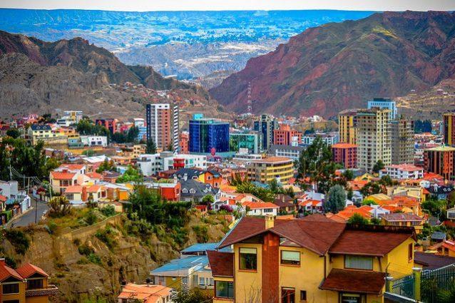 La Paz, zona Sur – Foto di Matthew Straubmuller