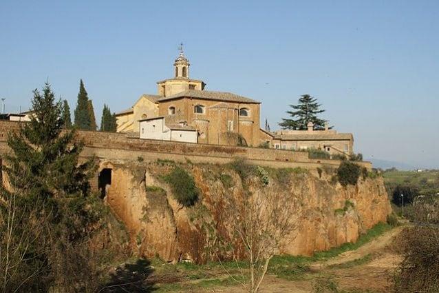 Panorama delle mura di Civita Castellana – Foto Wikimedia Commons