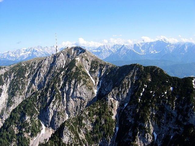 L'imponenza del Monte Dobratsch – Foto Wikipedia