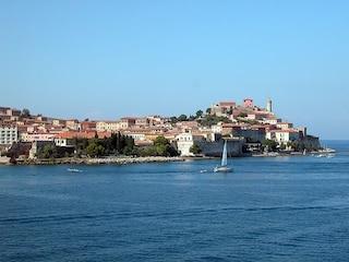 Cosa vedere a Portoferraio, una vacanza tra mare e storia