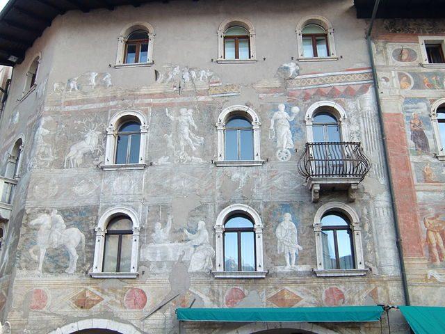 Case Cazuffi–Rella – Foto Wikipedia