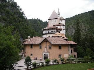 Santuario di San Romedio, un luogo sospeso tra cielo e terra