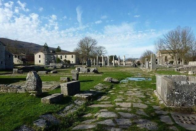 Alla scoperta di Sepino, un'antica città romana in Molise
