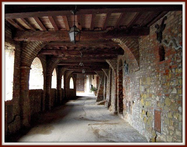 Camminamento medievale, Citerna.