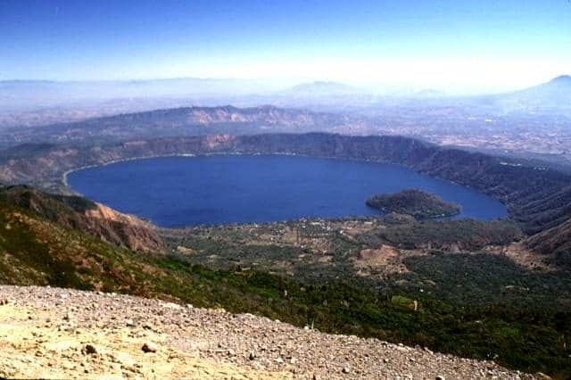 Caldera Coatepeque – Foto Wikimedia Commons