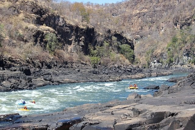 Rafting sul fiume Zambezi – Foto Pixabay