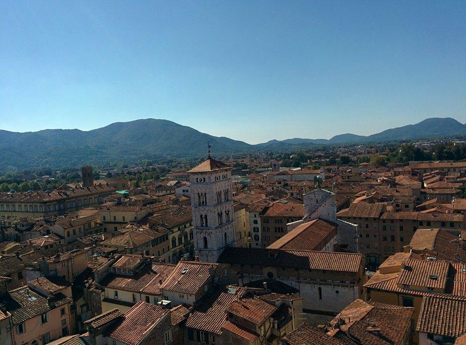 Veduta di Lucca con San Michele in Foro