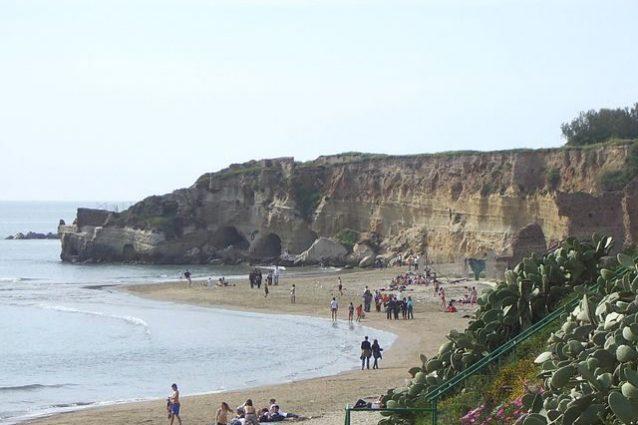 Spiaggia Grotta di Nerone – Foto Wikipedia