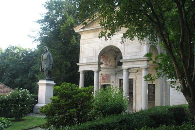 Sacro Monte di Varallo, Cappella e statua a Gaudenzio Ferrari – Foto Wikipedia