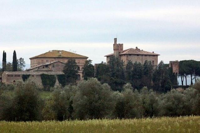 Bibbiano, frazione di Buonconvento, con il Castello – Foto Wikimedia Commons