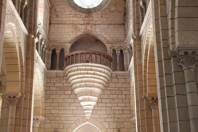Interno della Chiesa di Sant'Ilario – Foto Wikipedia