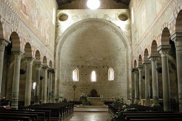 Basilica di San Piero a Grado, interno – Foto Wikipedia