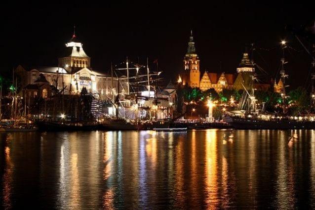 Veduta notturna di Stettino – Foto Wikimedia Commons