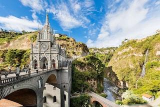 Lo spettacolo di Las Lajas, la chiesa sospesa sull'abisso