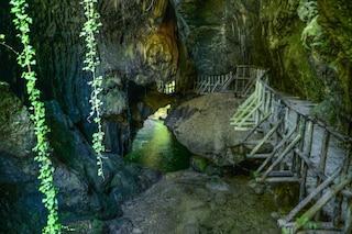 Grotte del Caglieron, un suggestivo percorso nella natura