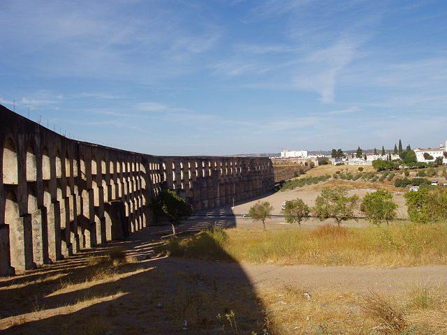 Acquedotto di Elvas – Foto Wikipedia