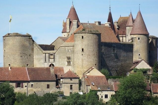 Il Castello di Chateauneuf–en–Auxois – Foto Pixabay