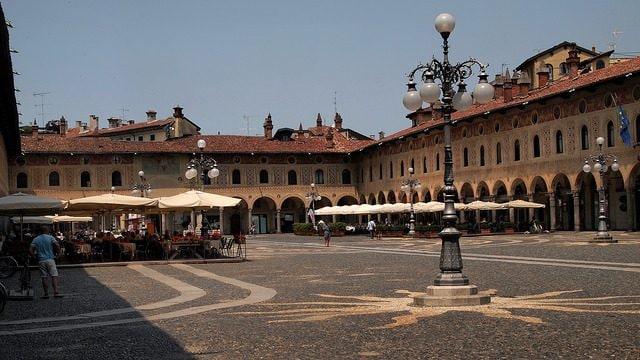 Piazza Ducale di Vigevano