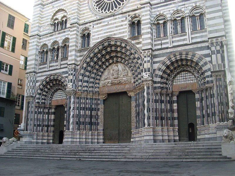 Facciata della Cattedrale di San Lorenzo