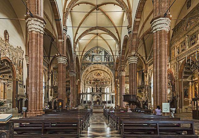 Interno del Duomo di Verona – Foto Wikipedia