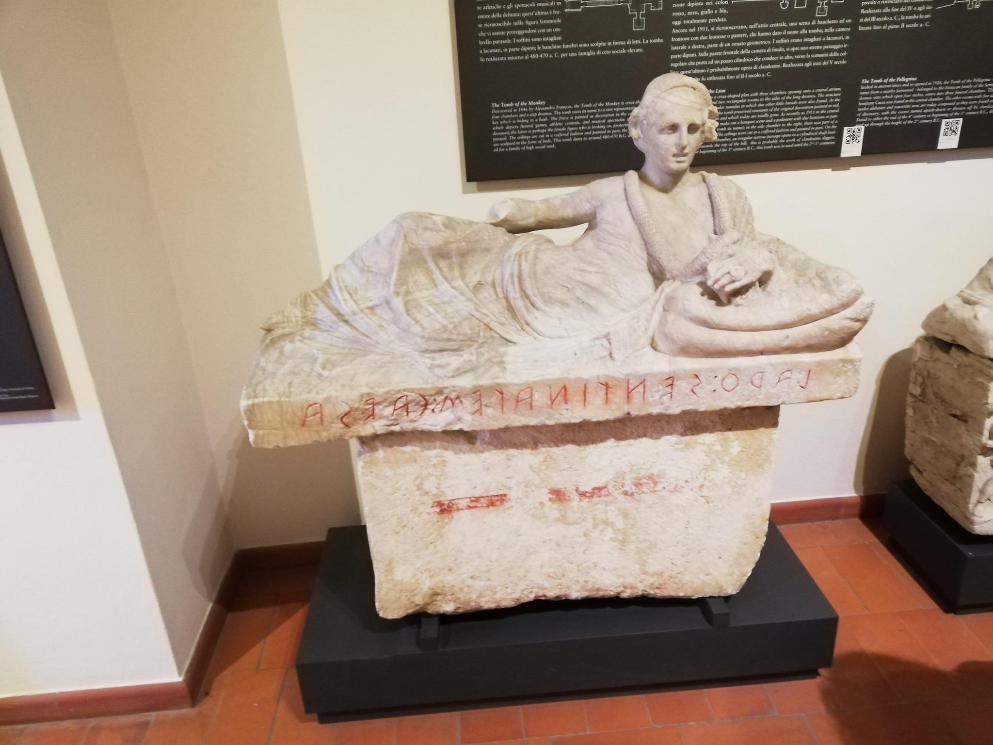 Sarcofago di Larth Sentinates Caesa