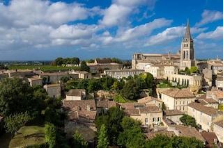 Saint-Emilion, un affascinante viaggio tra vigneti e castelli