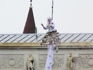 Il volo dell'angelo: l'incredibile spettacolo del Carnevale di Venezia