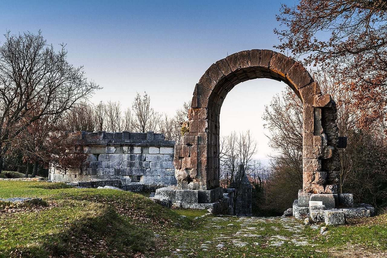 Arco di San Damiano a Carsulae