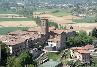 Il borgo medievale di Poppi e il suo imponente Castello