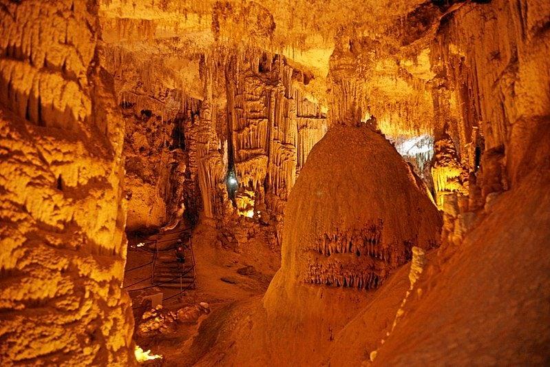 Interno Grotte di Nettuno