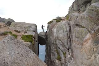 Una delle escursioni più pericolose del mondo: il Kjerag in Norvegia