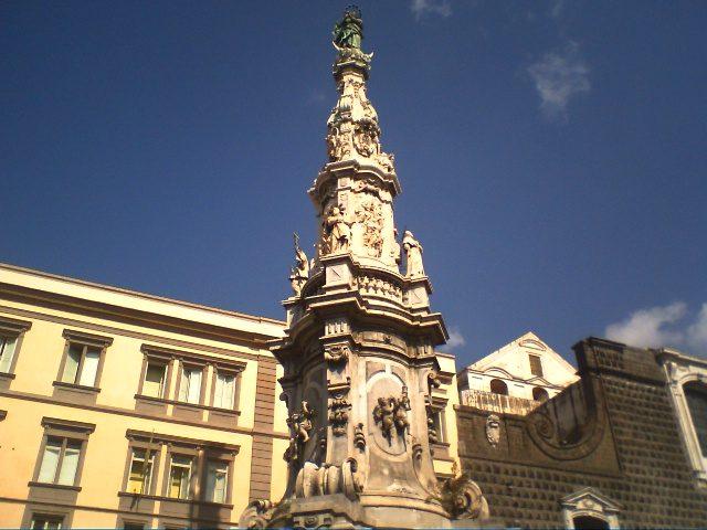 Obelisco dell'Immacolata, Piazza del Gesù